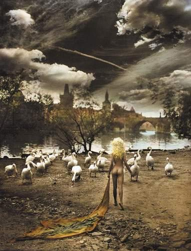 JAN SAUDEK (NÉ EN 1935) Hey Joe Place 30 years later, 2002. Tirage argentique colorisé,…